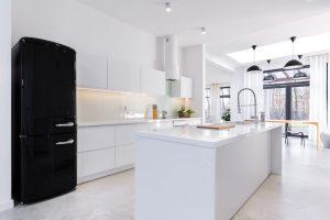 Witte hoogglans keukens? welke winkels hebben ze en wat kost het?
